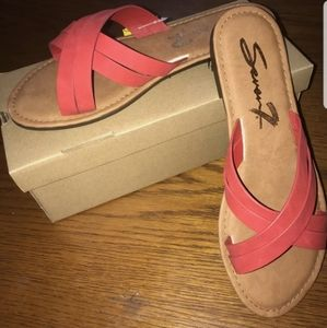 seven7 Tia Sandals in red size 10.